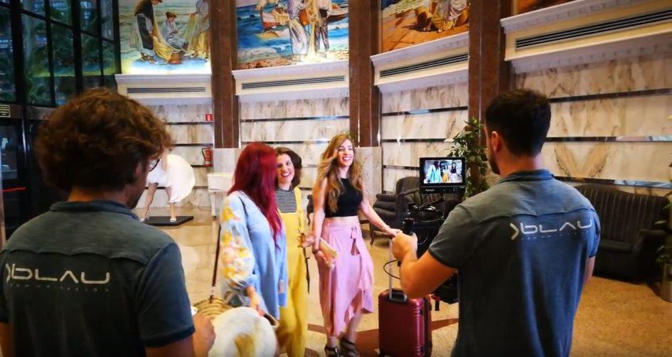 Actrices de Mediterranean Acting actúan en un spot publicitario